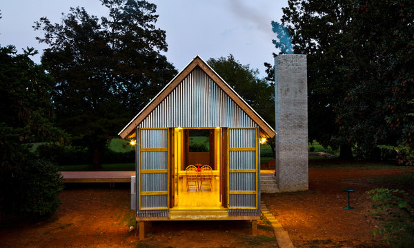 Design based on dogtrot house type: Zachary House, North Carolina, Stephen Atkinson, Architect  (Source: http://www.nytimes.com/2012/10/04/greathomesanddestinations/one-shed-fits-all-a-modernist-dogtrot-reborn.html?_r=0)